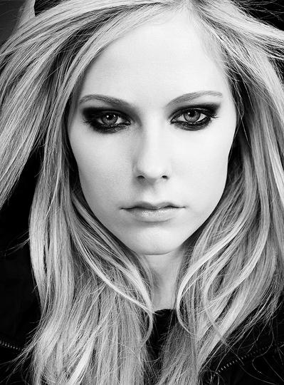 Avril Lavigne Matrimonio In Nero : Photoshop bianco nero