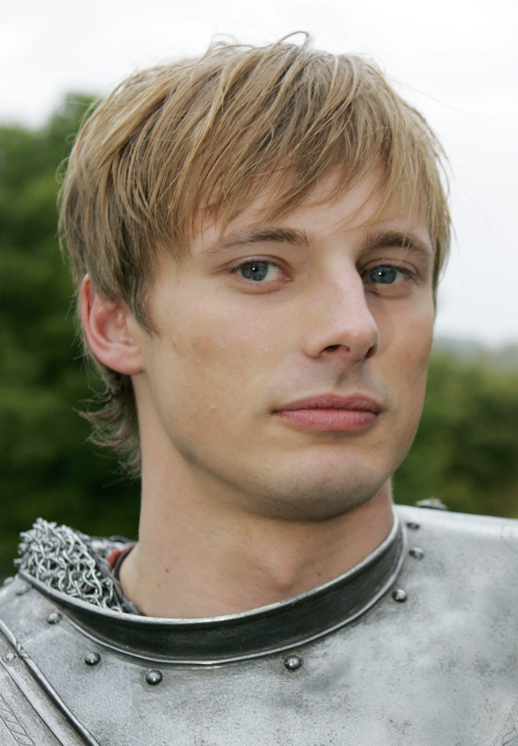 Bradley james, King Arthur | Bradley james, Merlin and