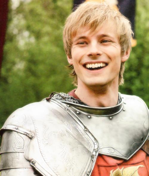 Bradley James as Arthur ~ Merlin | Bradley james, Arthur