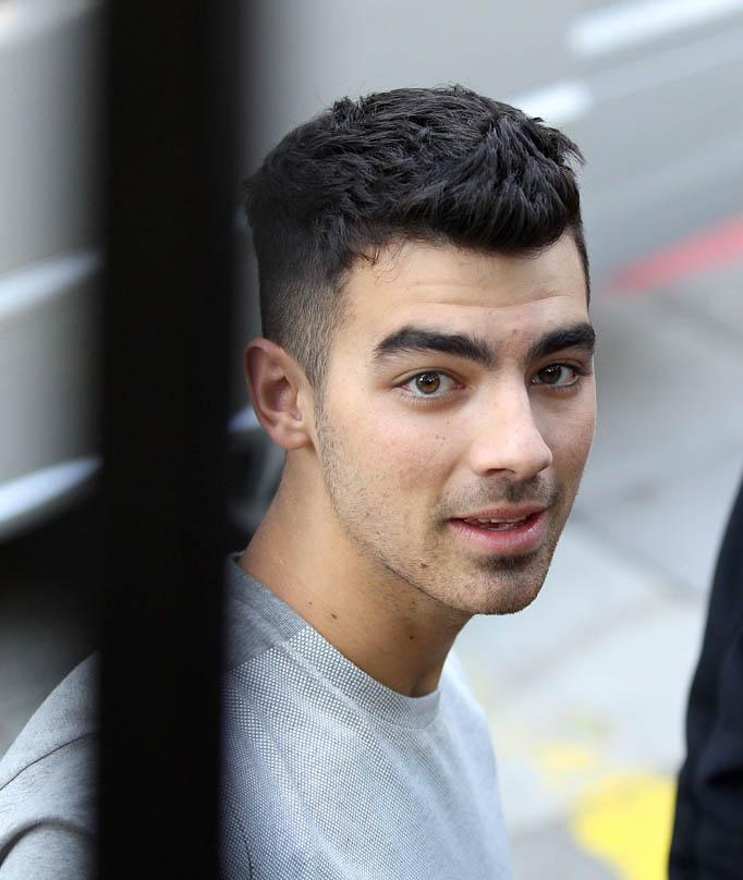 Joe Jonas Teen Idols 9