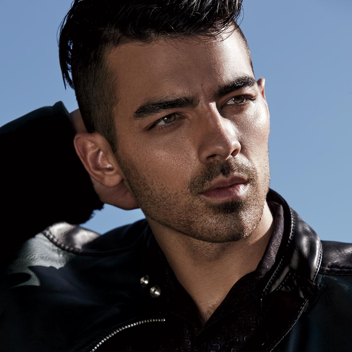 Joe Jonas Teen Idols 40