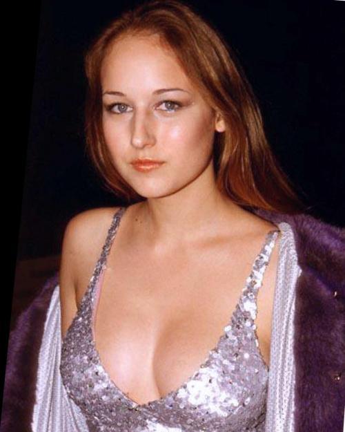 General photo of Leelee Sobieski