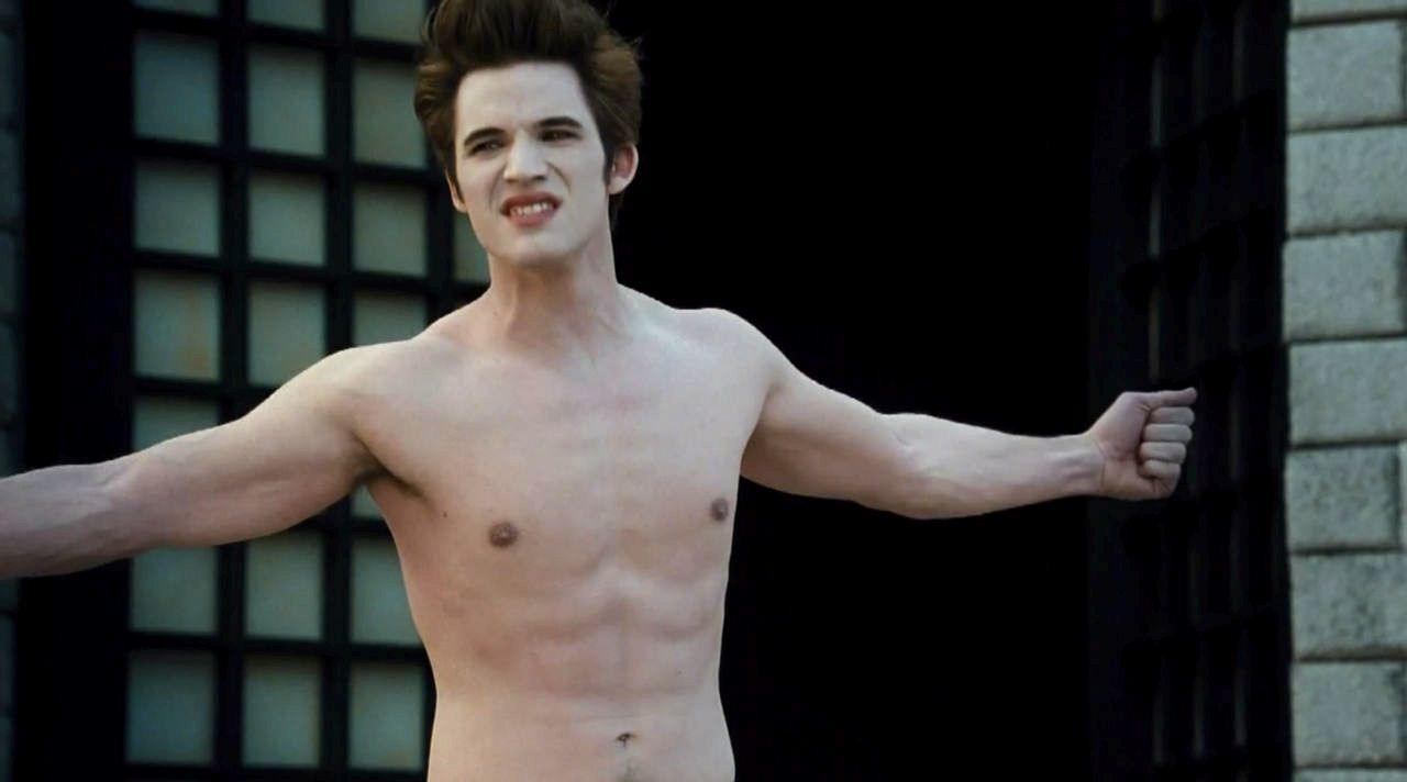 Nude Matt lanter