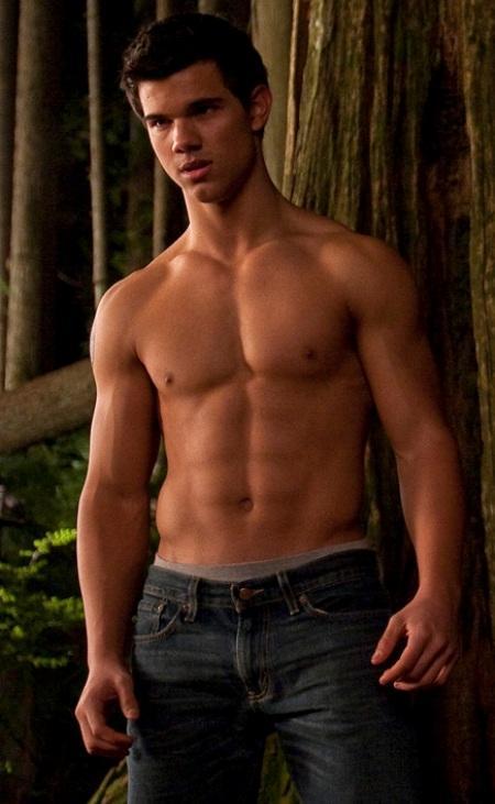 taylor lautner gay. Taylor Lautner