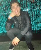 Ryan Ochoa : ryan-ochoa-1500428881.jpg