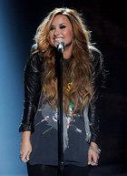 Demi Lovato : demi-lovato-1334947415.jpg