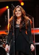 Demi Lovato : demi-lovato-1335671610.jpg