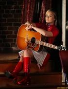 Demi Lovato : demi-lovato-1383718149.jpg