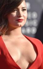 Demi Lovato : demi-lovato-1409012652.jpg