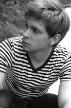 Devon Graye : devon_graye_1293577386.jpg