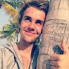 Justin Bieber : justin-bieber-1519887602.jpg