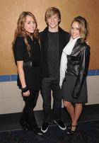 Miley Cyrus : TI4U_u1292812608.jpg