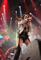 Miley Cyrus : miley-cyrus-1334891018.jpg