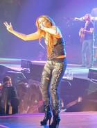 Miley Cyrus : miley-cyrus-1334891098.jpg