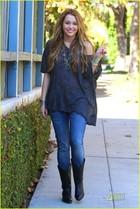 Miley Cyrus : miley_cyrus_1291053789.jpg