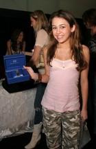 Miley Cyrus : miley_cyrus_1292812700.jpg