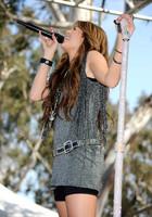 Miley Cyrus : miley_cyrus_1292812760.jpg